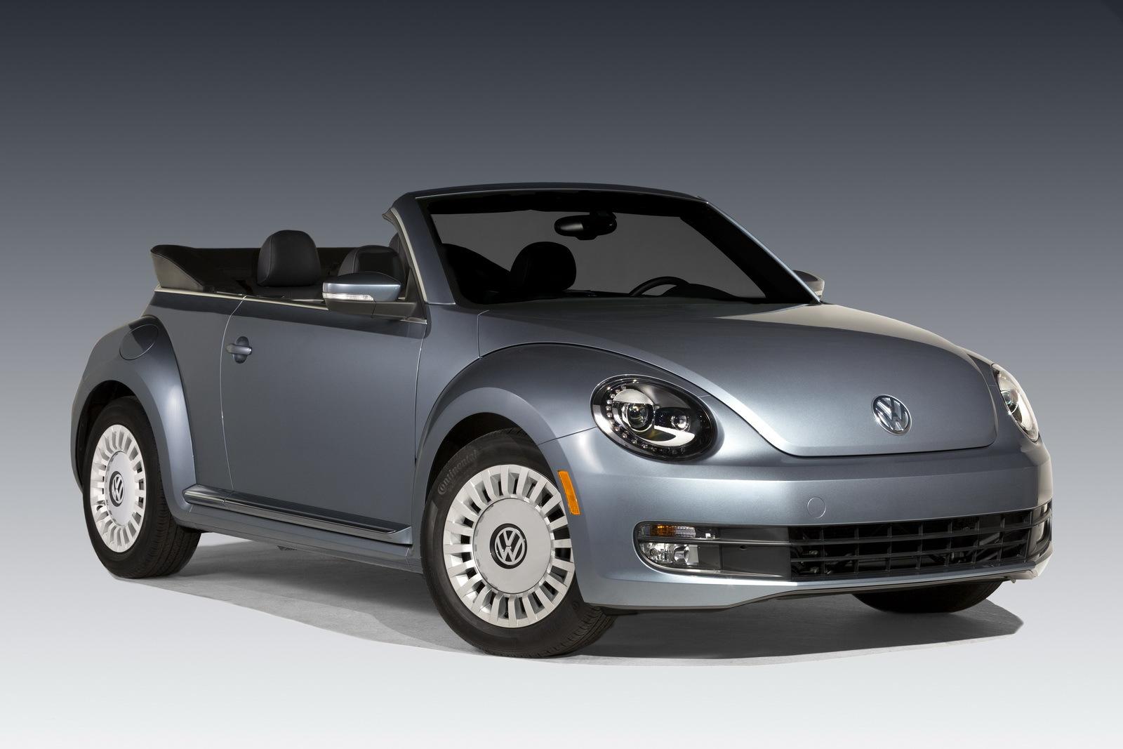 Foto de Volkswagen Beetle Cabrio Denim Edition (1/17)