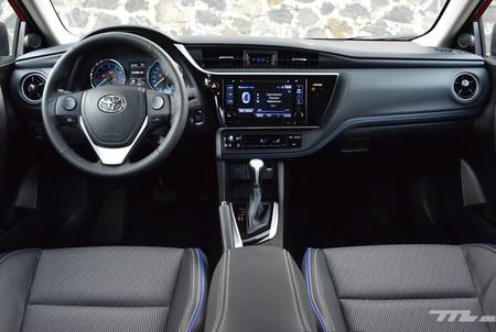 Toyota Corolla 2017 4