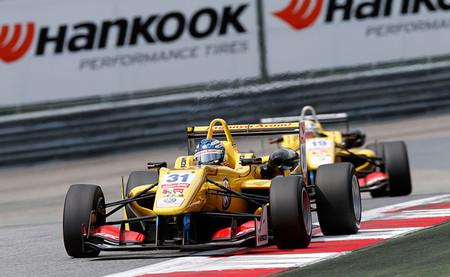 Los líderes fallan y tres ganadores toman el relevo en el FIA European Formula 3 en Austria