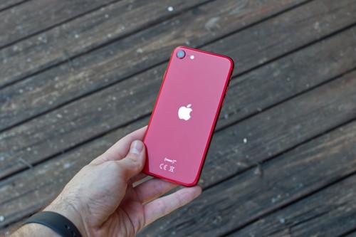 iPhone SE (2020), análisis tras un mes de uso: ser pequeño es su mayor virtud y su mayor defecto