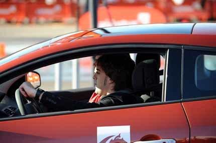 Fernando Alonso sólo le pide fiabilidad al R29