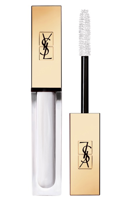 kylie jenner pestañas mascara blanco total white tendencia beauty