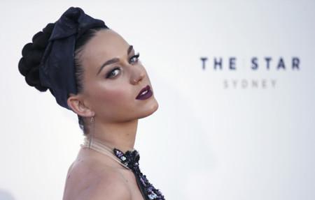 Katy Perry solo entiende una forma de vestirse de fiesta: atrevida