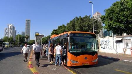 Tel Aviv incorpora su primer autobús eléctrico