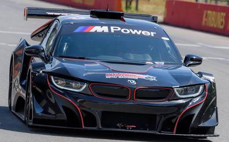 Hamofa Motorsport le trasplanta al i8 el motor atmosférico que BMW no se atreve a ponerle