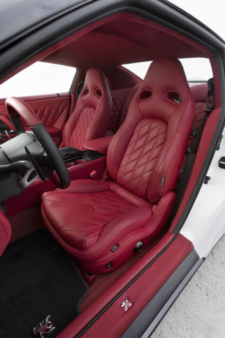 Nissan gt r egoist for Interieur de voiture sur mesure