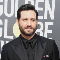 Edgar Ramírez le suma un toque retro a su look en los Golden Globes 2018