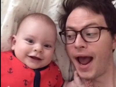 Un padre graba geniales Dubsmash con su bebé a lo largo de un año