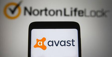 Norton compra Avast por 8,600 millones de dólares: la unión de los gigantes resultará en 1,000 recortes de puestos de trabajo