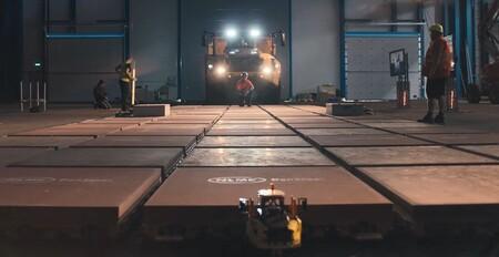 Un grupo de estudiantes consigue mover el inmenso dúmper articulado Volvo A60H con más de 700.000 piezas LEGO y 1.900 motores
