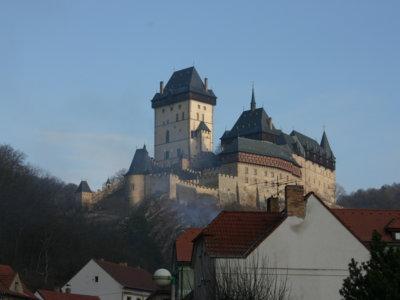 El imponente castillo de Karlstejn que puedes visitar cuando vayas a Praga