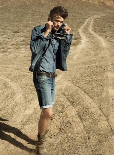 HE by Mango, campaña Primavera-Verano 2010: un hombre en el desierto II