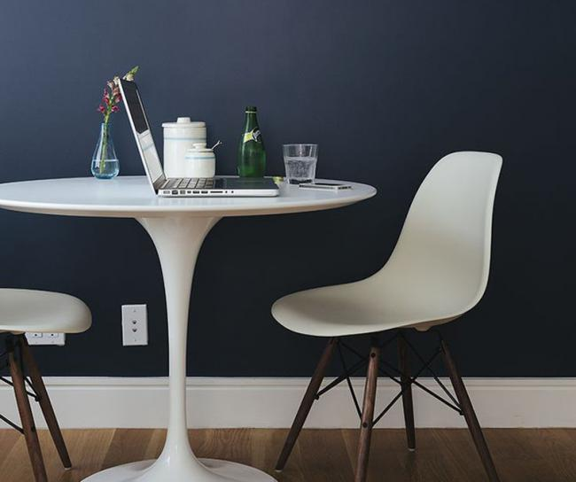 Estupendas ideas de c mo decorar tu comedor con una mesa - Mesa redonda comedor ...