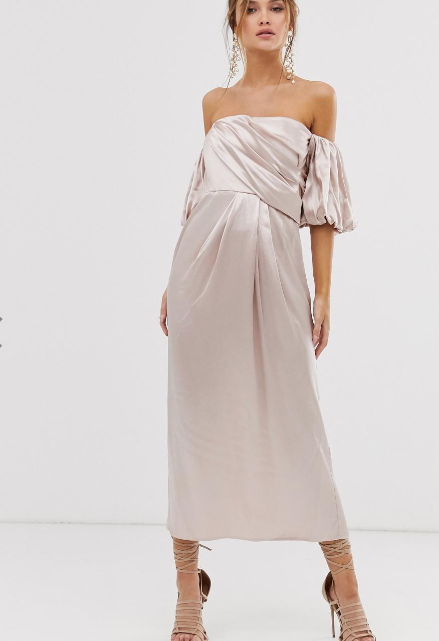 Vestido midi con escote Bardot drapeado en satén de ASOS EDITION