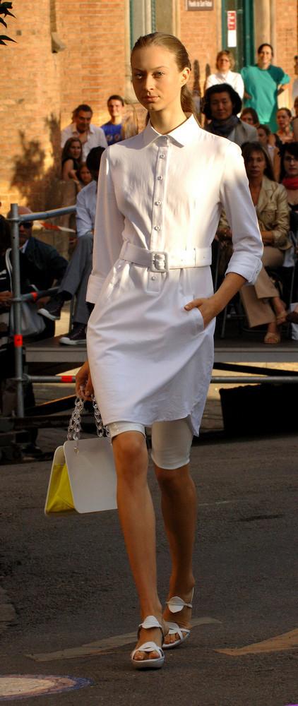 Foto de Antonio Miró, coleccion mujer primavera verano 2008 (5/5)