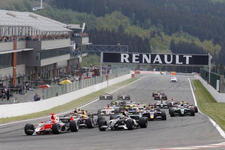 Desvelado el calendario oficial de las World Series by Renault 2012