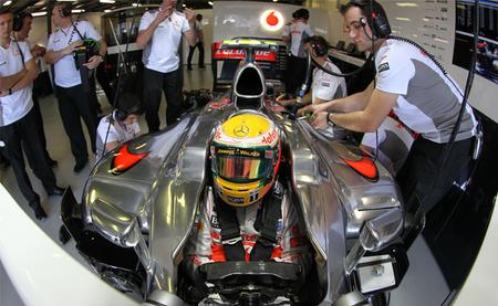 Lewis Hamilton se lleva el mejor tiempo de los primeros entrenamientos libres en China