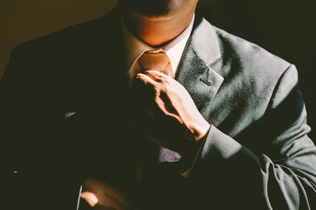La gente que usa corbata podría estar reduciendo el flujo de sangre al cerebro