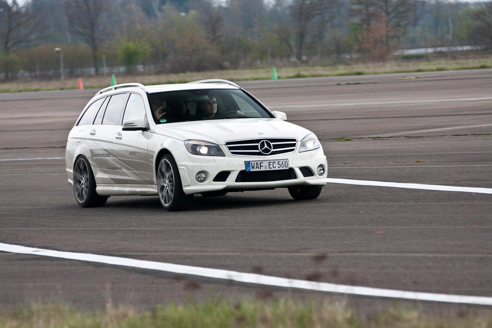 Foto de Mercedes C63 AMG Wagon por Edo Competition (12/16)
