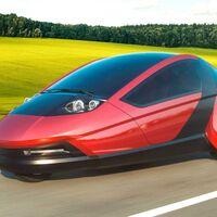 Twike 5, un extraño auto eléctrico de 3 ruedas, solo para 2 pasajeros y que se maneja con palancas en lugar de volante