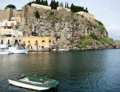 Islas Eolias: El transporte