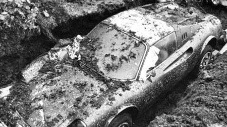 La insólita historia del Ferrari enterrado en un jardín