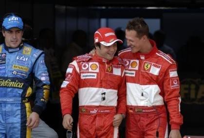 Schumacher hace lo suyo, pero falla Ferrari