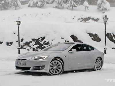 Tesla llama a revisión voluntariamente a 123.000 Model S por un problema en la dirección asistida