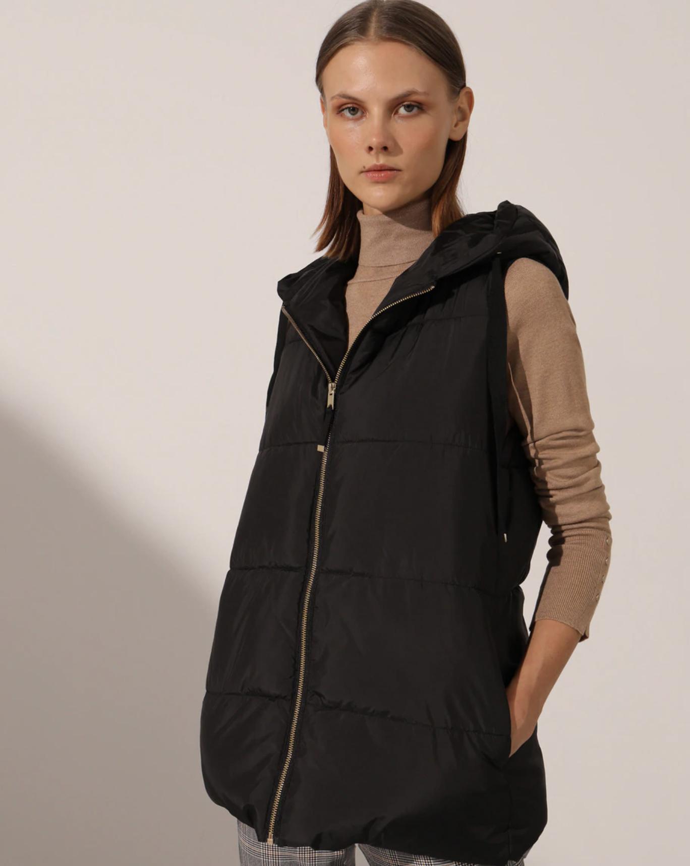 Chaleco acolchado de mujer con capucha