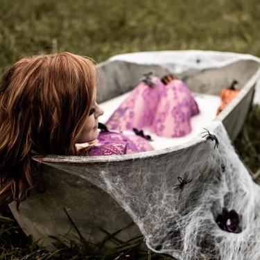 Preciosas fotografías de una embarazada inspiradas en Halloween que te querrás hacer