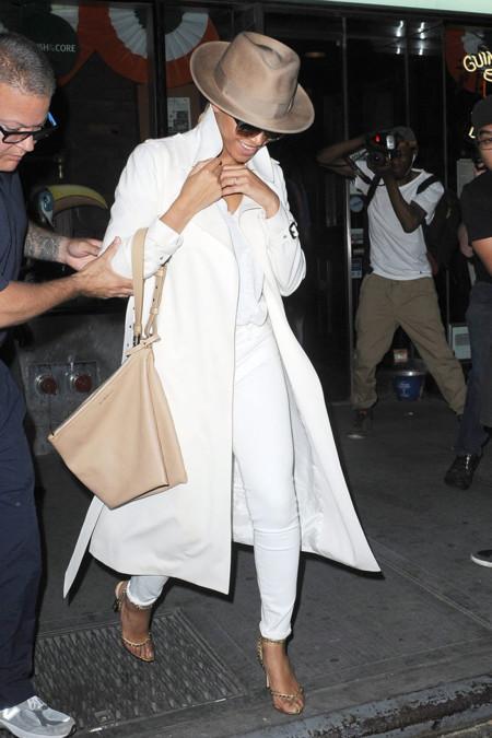 Beyonce Blanco Look calle