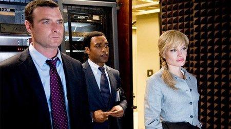 Liev Schreiber, Chiwetel Ejiofor y Angelina Jolie, en