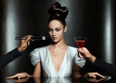 Olga Kurylenko, un bellezón para el nuevo calendario Campari
