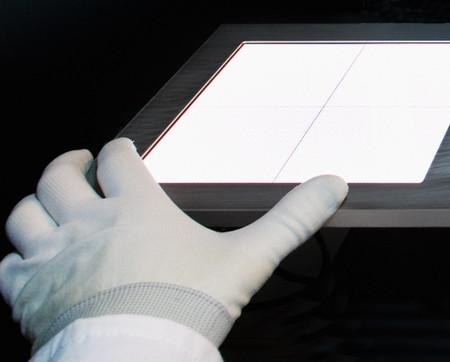 Superficies táctiles controladas por luz