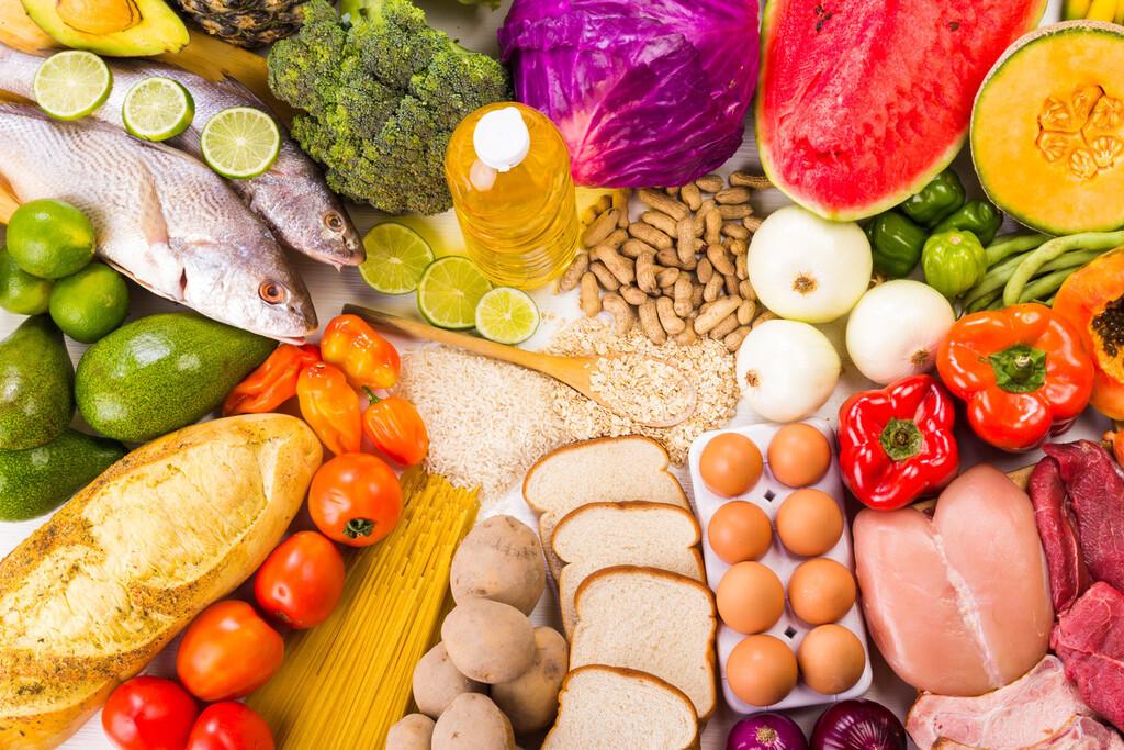 Si quieres ganar masa muscular la alimentación es clave y no solo el gimnasio: 11 alimentos que te ayudarán