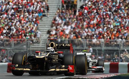 Jacques Villeneuve cree que Lotus podría echar a Kimi Raikkonen