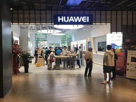 Google 'rompe' con Huawei por el bloqueo de Trump: sus móviles no podrán actualizar Android ni tendrán las apps de Google, según Reuters