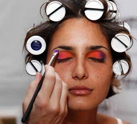 Color block en el backstage de Dolores Cortés en la Semana de la Moda en Miami