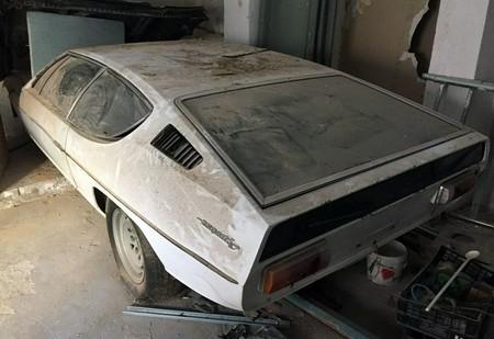 Este derruido Lamborghini Espada busca un restaurador que le brinde mucha paciencia y dinero