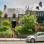 Nueve dormitorios, terrazas, mármoles y piedra: entramos en la nueva casa de los Obama en Washington