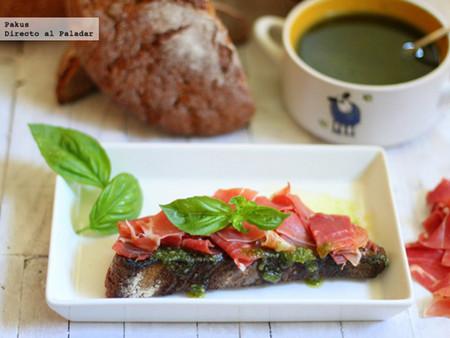 Tostas De Pan De Centeno Con Pesto Y Lascas De Jamon Desayunos Sanos Faciles Y Rapidos Recetas