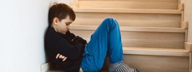 """""""Tiempo fuera"""" y """"silla de pensar"""": una experta en disciplina positiva nos explica por qué no deberíamos utilizar estos métodos"""