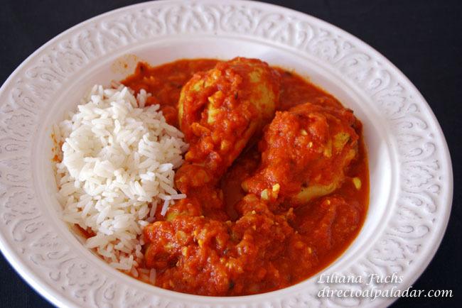 Pollo en salsa de tomate con especias