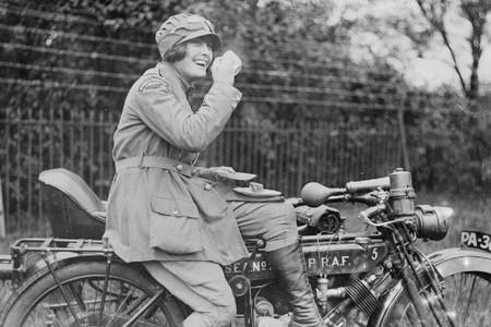 Mujeres En Moto2