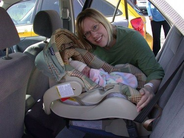 Proponen que los niños que pesen hasta 18 kilos viajen en sentido contrario a la marcha, ¿servirán las mismas sillas?