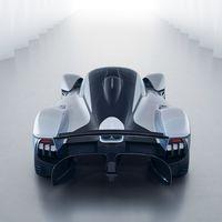 Aston Martin planea competir con Ferrari en su cancha con un nuevo deportivo de motor central que llegará en 2021