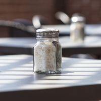Tres motivos que explican por qué ya casi no se ven saleros en los restaurantes