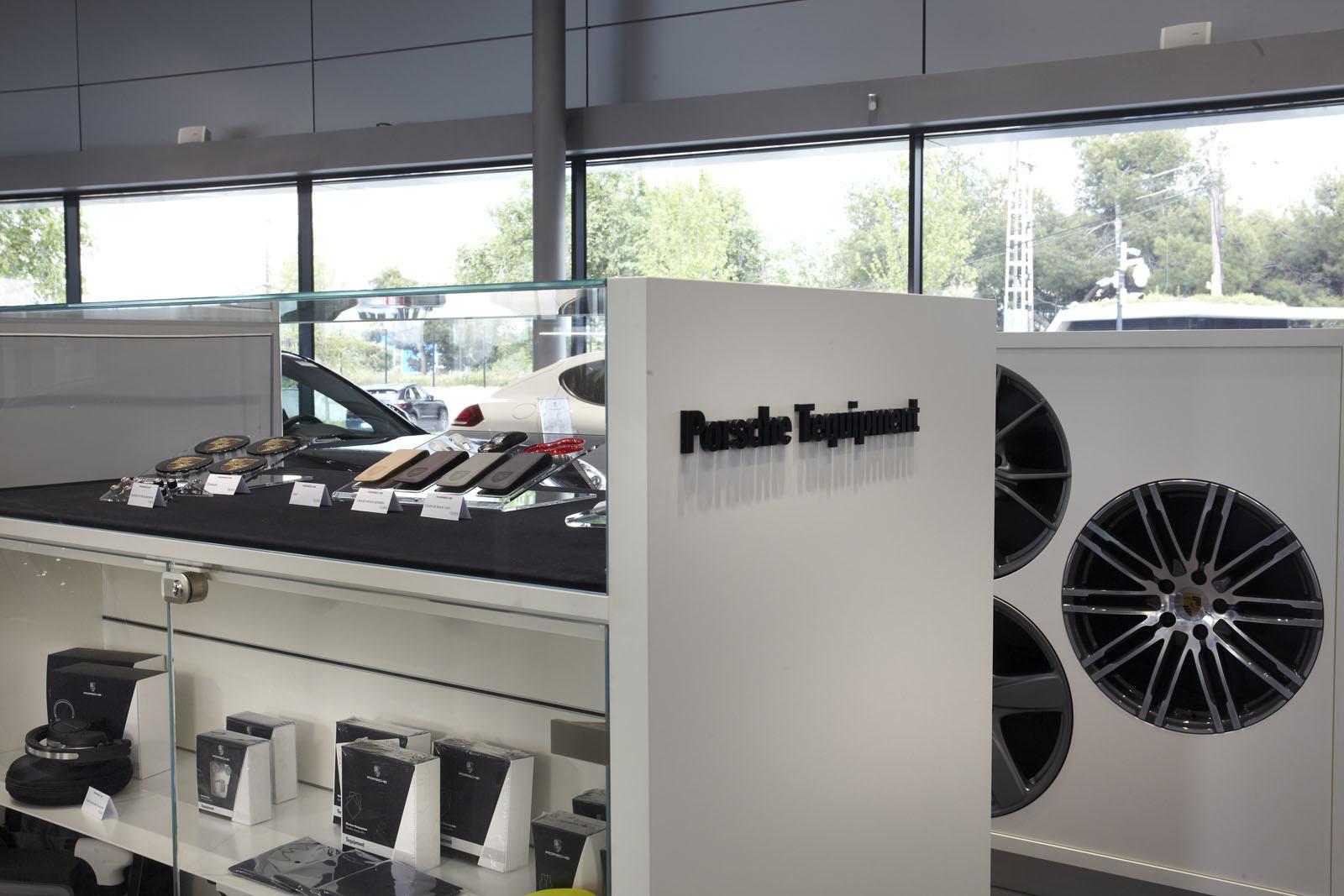 Foto de Centro de Experiencias Porsche Madrid Norte (5/16)