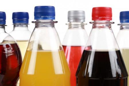 El consumo de refrescos azucarados puede producir envejecimiento celular