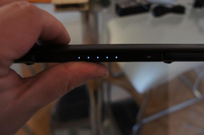 Cinco LED nos indican el nivel de carga de la batería del Lapdock